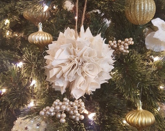 Set of Three Large Shabby Chic Antique White Christmas Ornaments, Rag Ball, Rustic, Cottage Chic, Christmas Tree Ornaments, Bowl Fillers