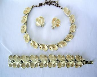 Vintage BSK necklace,brooch & earrings set ,1950