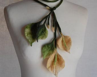 Subtle necklace made of wool, wool, Merino, romantic necklace, fashion necklace, stylish decoration, gift