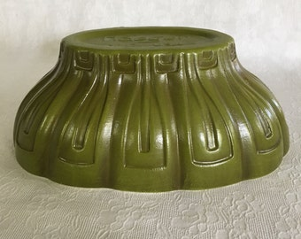 Lovely olive green Haeger No.17 planter vintage pottery