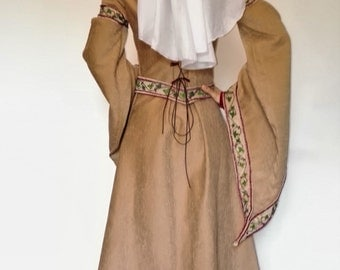 Medieval Dress / Robe Médiévale