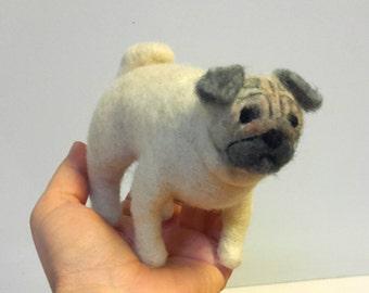 Needlefelted pug, needle felted dog, needle felted animal, pug, felted art and dolls