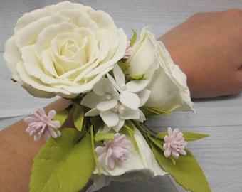 Rose bracelet Bridesmaid corsage Classical wedding Ivory corsage Flower wrist corsage Mother bracelet Mother bride Corsage wedding Rustic