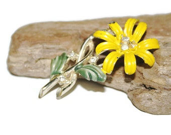 1960's Yellow Daisy Brooch, Yellow Flower Brooch, Yellow Flower Pin, Yellow Flower Jewelry, Painted Brooch, Costume Jewelry, Gift for Her