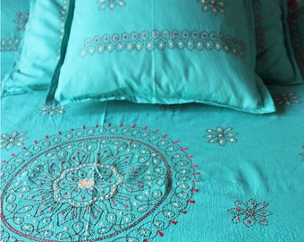 Turquoise Blue Kantha King Size Bed Sheet with 2 Pillow Covers, Hand Embroidered Cotton Throw, Hand Stitched DBL Bed Sheet, 270 cm x 220 cm