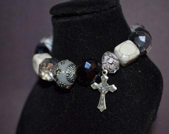 Bracelet, 7 1/4 inch handmade black and grey stretch bracelet