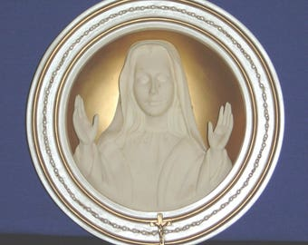 Mother of Faith ~ Mary, Queen of Heaven 3D Collector Plate - Pre-owned (SS)