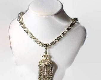Coiled Chain With Chandelier Type Pendant