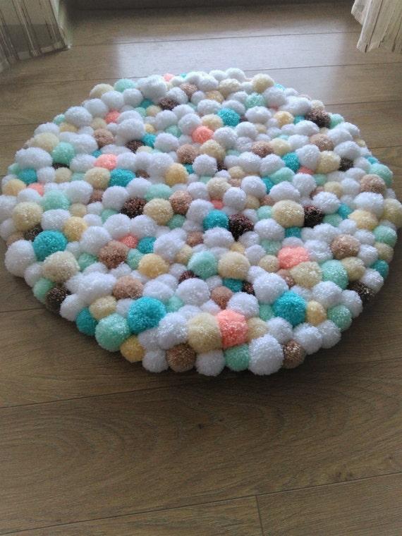 Pom pom rug handmade bathroom mat home decor pom pom baby for Pom pom room decor