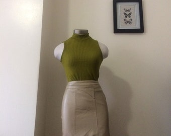 1980's Cream leather mini skirt - size 4