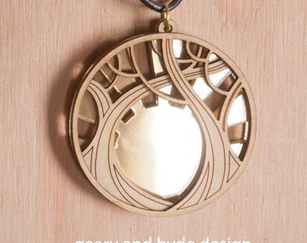 "2"" Tree and Gold Mirror Pendant"