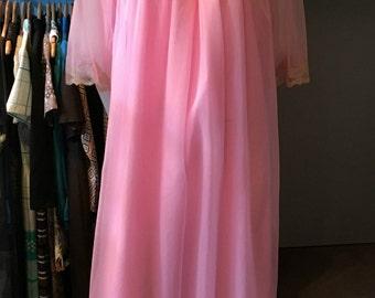 Vintage Canadian Maid Pink Two Layer Nightgown/Peignoir with Sheer Upper/Sleeves and Lace Accent - Size Medium