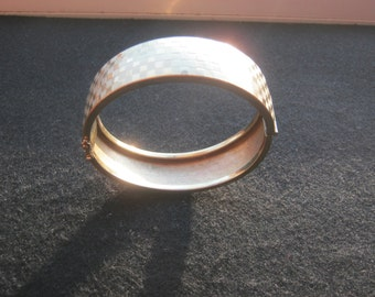 Bracelet fashion jewelry hard gold, weight ca. 34 grams, diameter ca. 70 mm, very good condition