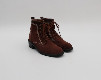 Vintage • Suede Boots • Brown Boots • Brown Leather Boots • Brown Ankle Lace-up Boots • Brown Suede boots • EU 42 • US 10 • UK 7.5