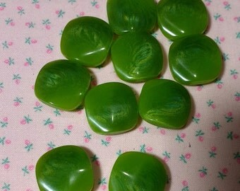 Matched Set of 10 Vintage Plastic Buttons