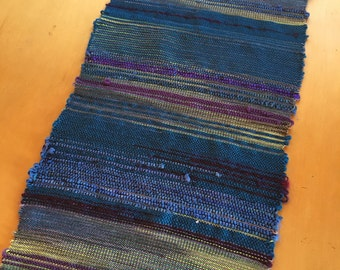 Iris- Hand woven table runner