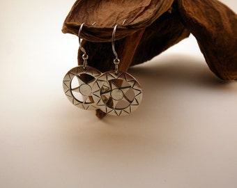 Handmade stars earrings silvered with aged silver