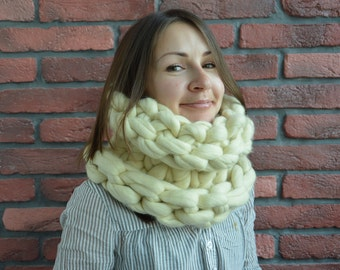 Chunky Merino Wool Infinity Scarf,Super Chunky Infinity Scarf,Bulky Knitted Snood,100% Merino Wool, 18 micron,Winter Knitted Scarf