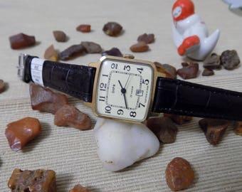 "Vintage Womens Watch Zaria ""Dawn"" With Date Calendar, Gold-plated case, Retro Ladies Wrist Watch For Women, Soviet"