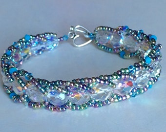 Fire polished clear glass bead spiral rope bracelet with rainbow seed beads