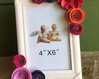 Paper flower accent frame