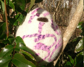 Felted birdhouse / bird pod
