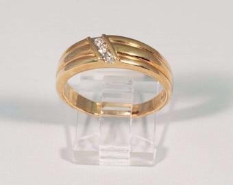 14K Yellow Gold Mens .12 ct. tw. Diamond Ring, Size 10
