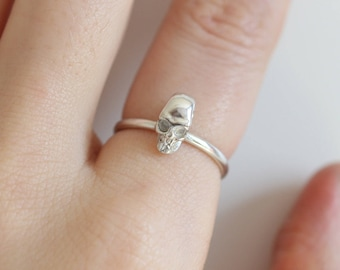 Skull Ring in sterling silver, sterling silver skull ring, tiny skull ring, skull jewelry, womens skull ring, Sterling Silver ring, gift for