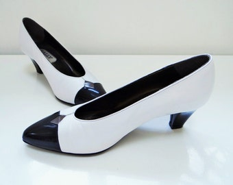 Vintage Shoes, UK4.5, Pinup, Glamour, Bally, Leather Shoes, Vintage Footwear, Heels, Pumps, White Shoes, Vintage Accessories, Shoes