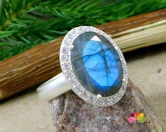 oval cut labradorite, blue fire labradorite, gemstone silver ring, silver gemstone jewelry, healing labradorite ring, solid silver gift ring