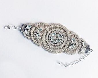 Bridal cuff/rhinestone cuff/cuff/Art Deco cuff/bridal accessories/gifts for her/gifts for brides/wedding bracelet/bridesmaid gifts/jewellery