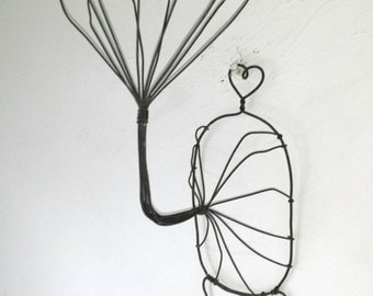 Vintage Large Sturdy Wire Hat Display Hat Stand Wall Hanging Hat Holder Antique Millinery Hat Stand