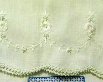 FREE SHIPPING USA Vintage Kitchen Towels Embroidered Designs   586