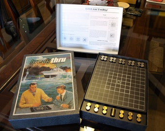 Vintage 1965 BREAKTHRU the Double Strategy Board Game of Evasion 3M Bookshelf Games Naval – Mint Condition