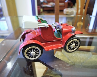 Vintage Red Tin Friction Toy Old Time Buggy Car – Model T – Made in Japan