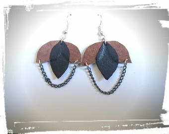 Sheets and chains earrings