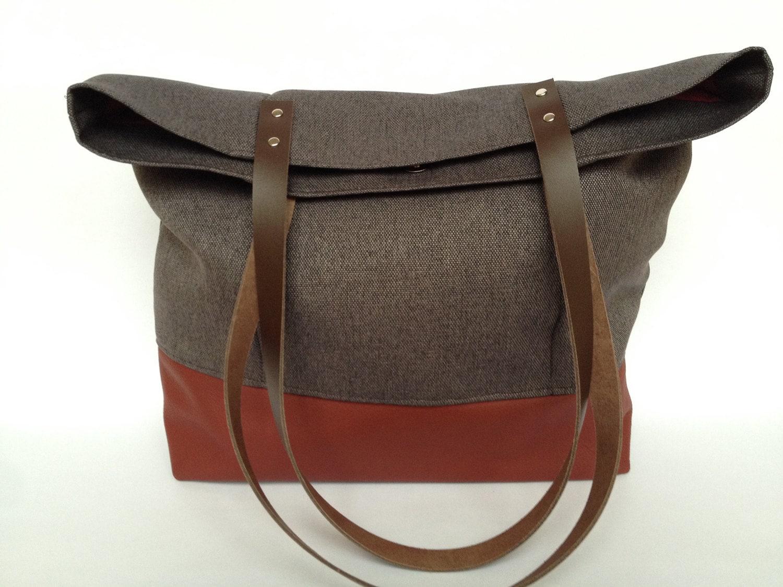With outside pocket red tote bag shoulder bag by FischersFru