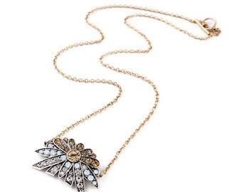 Daystar Crystal Pendant Necklace Gold