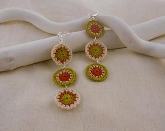 Pop's orange, green and beige model crochet earrings