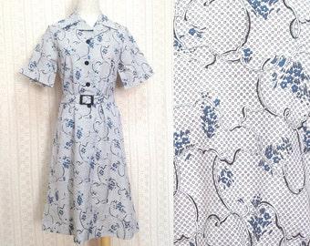 "Vintage dress XS / S ""Tessa"" floral print vintage white dress, blue and black floral shirt dress with belt, us size 4 6, retro 80s clothing"