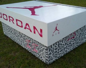 Jordan shoe box custom Pink and Gray
