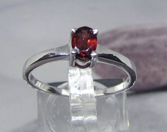 Ring Silver 925 and Garnet stone