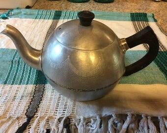 Swan Brand 4 cup Aluminum teapot