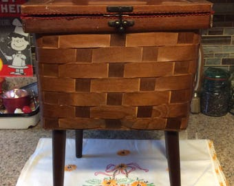 Sewing basket with legs