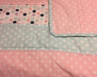 Homemade Baby Quilt. Baby quilt blanket. Cute colors!