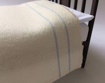 Miniature double bed blanket