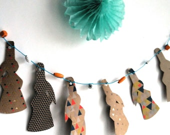 Breton blue, orange, brown paper Garland