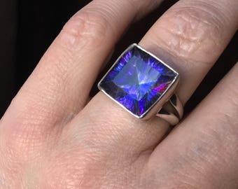 VINTAGE BLUE MYSTIC Topaz Ring - Sterling silver-Elegant - Vintage hand made - Beautiful Stone