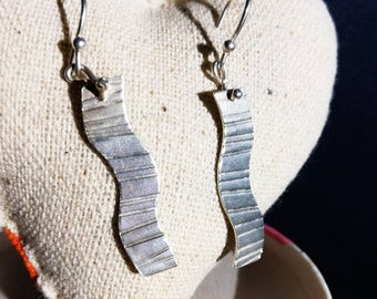 Textured silver wave earrings