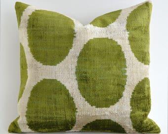 Handwoven green velvet pillow, decorative pillow, green pillow, pillow cover, throw pillow, velvet pillow cover, velvet cushion